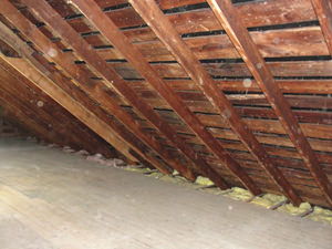 A IA attic before installation of SuperAttic